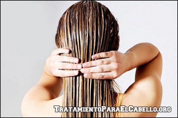 Leche de coco para alisar el cabello