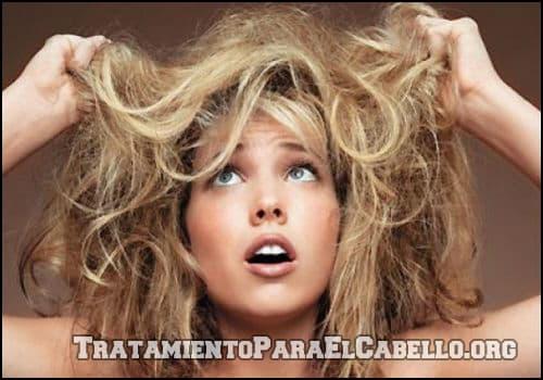 Leche de coco para el cabello maltratado