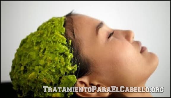 Mascarilla de aguacate para el cabello con frizz