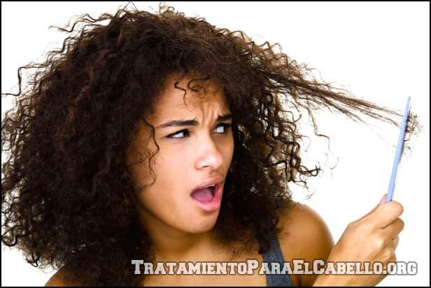 Mascarilla de aguacate para el pelo rizado