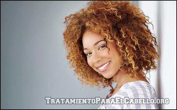 Aceite de almendras para el cabello rizado