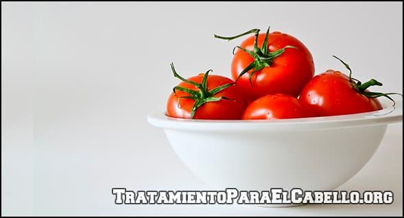 Propiedades del tomate en el cabello