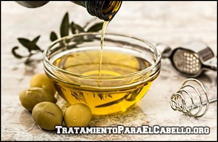hidrata el cabello con aceite de ricino y aceite de oliva